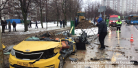 Видео, как самосвал раздавил такси в Москве, выложили в Сеть