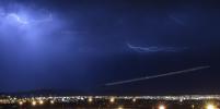 Молния ударила в приземляющийся самолет в Сочи