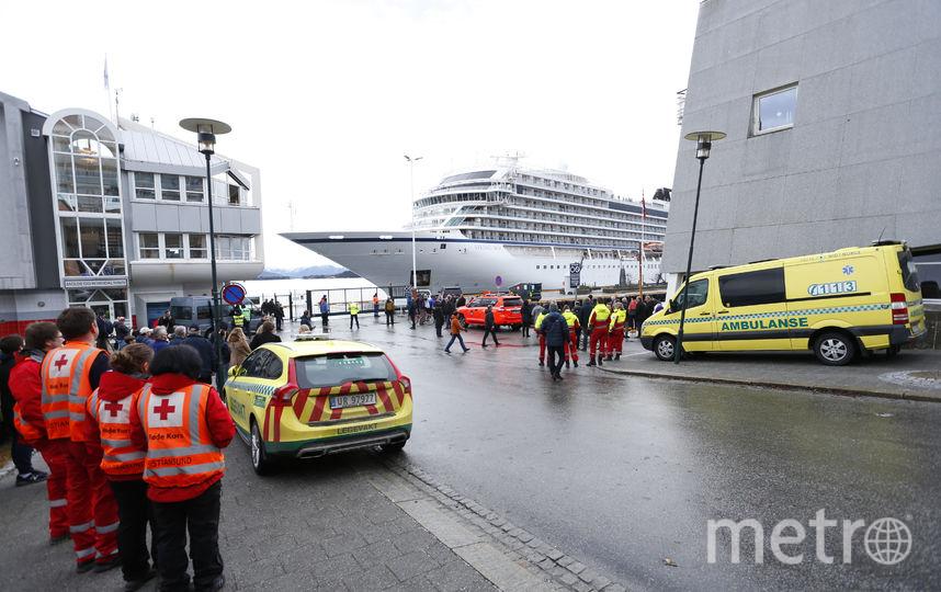 Круизный лайнер Viking Sky прибыл в порт. Фото AFP