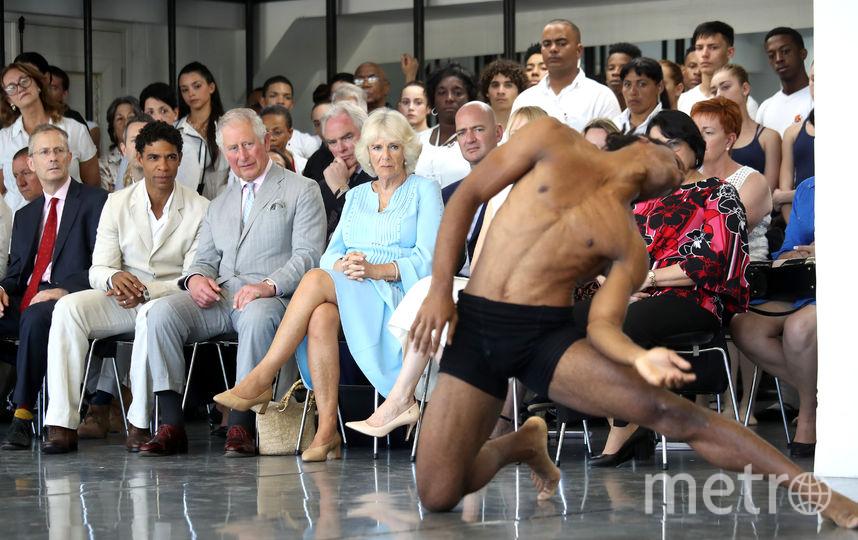 Принц Чарльз и Камилла на Кубе посмотрели на выступления танцоров. Фото Getty