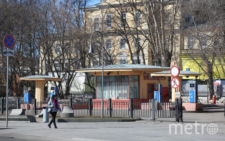 Автозаправка, известная как «Кремлёвская АЗС», была построена в 1930-х годах под руководством архитектора Алексея Душкина. Она является выявленным объектом культурного наследия и памятником советской архитектуры. Фото Василий Кузьмичёнок