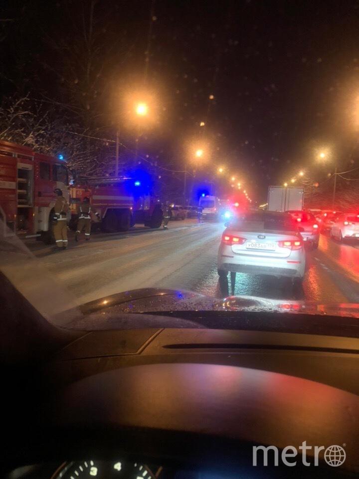 """Фото с места ДТП на Выборгском шоссе. Фото """"Metro"""""""