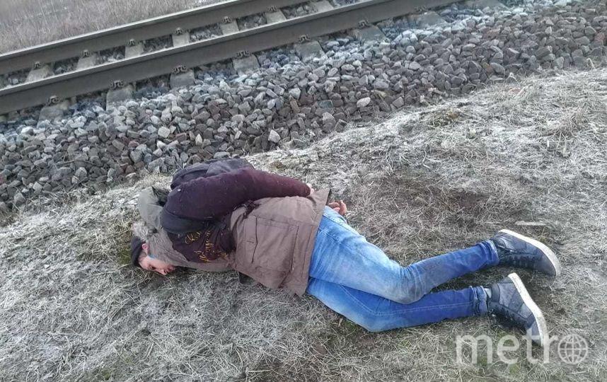 """Задержанные нарушители - граждане Марокко, одному из них 31 год, другому - 29. Фото Пресс-служба ПУ ФСБ России по г. С-Пб и ЛО, """"Metro"""""""