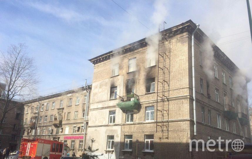 """Пожар на Сестрорецкой улице. Фото https://vk.com/spb_today, """"Metro"""""""
