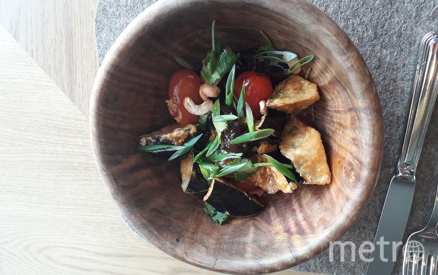 """Древесные грибы с баклажанами. Цена: 640 рублей. Фото """"Metro"""""""