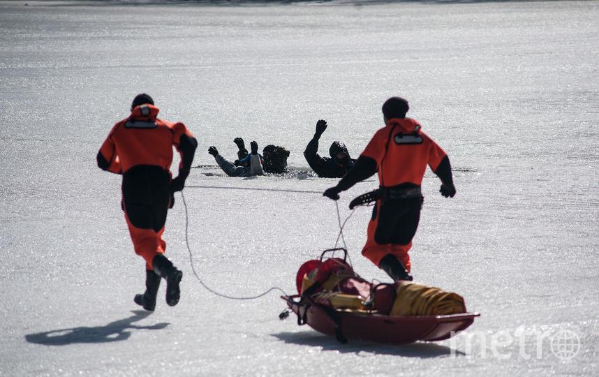 """Благодаря советам спасателей ни один из журналистов подо льдом не остался. Фото  Игорь Генералов, """"Metro"""""""