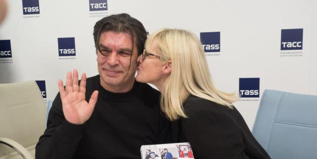 Юрий Каспарян и Джоанна Стингрей.