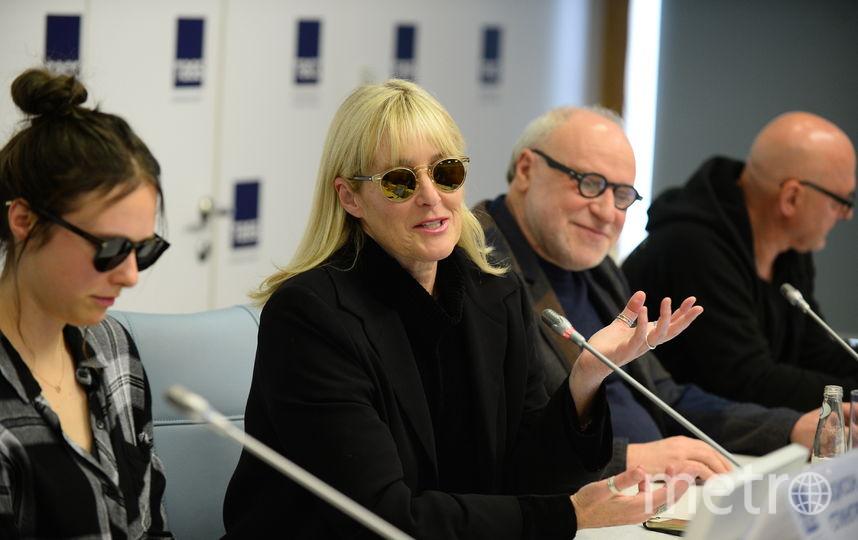 "Мэдисон Стингрей, Джоанна Стингрей, Алекс Кан. Фото Святослав Акимов, ""Metro"""