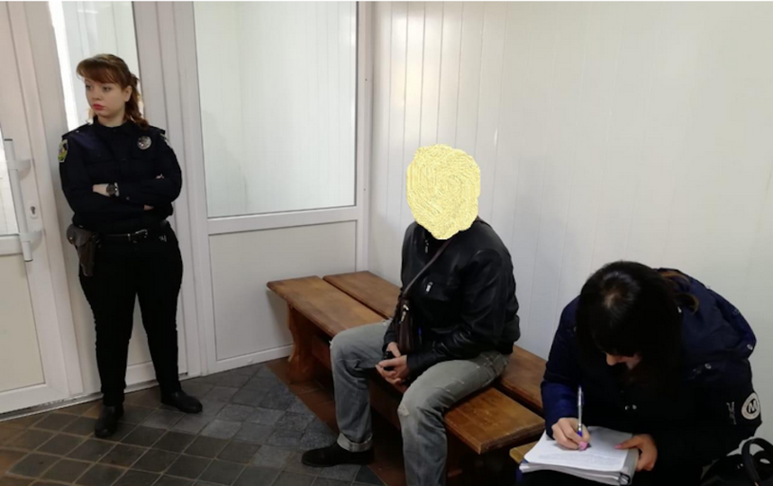 О случившемся доложил полицейский, который нёс охрану общественного порядка на участке. Фото kv.npu.gov.ua