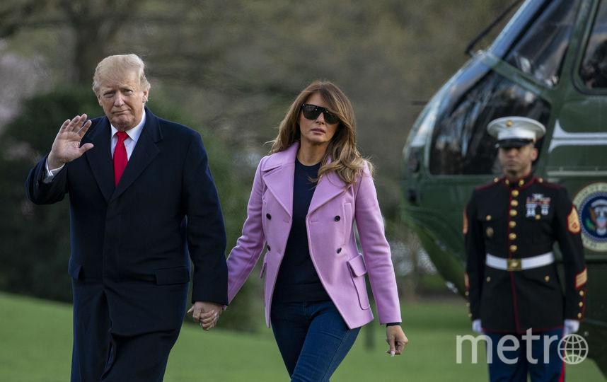 Дональд и Мелания Трамп 31 марта вышли из вертолета на лужайке у Белого дома. Фото Getty