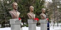 Героям-спецназовцам поставили памятники