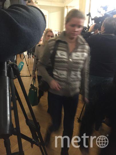 """В суд пришли те, кто потерял в теракте родных, а также пострадавшие во время взрыва. Фото Карина Тепанян, """"Metro"""""""