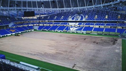 "На ""ВТБ Арене"" меняют газон. Фото Instagram @vtb_arena_park"