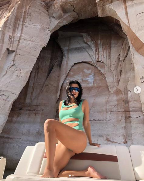 Кортни Кардашьян. Фото скриншот https://www.instagram.com/kourtneykardash/?hl=ru