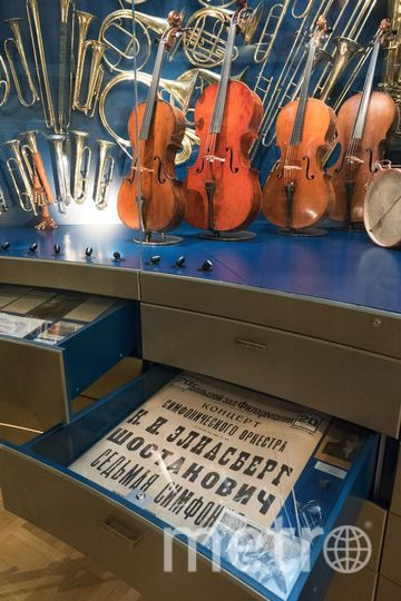 """Вторая в ряду виолончель была изготовлена в блокаду. Фото Святослав Акимов, """"Metro"""""""