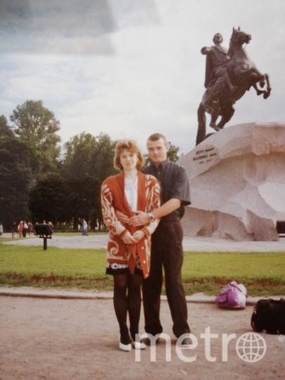 """Семья Шевелевых, фото 20 лет назад. Наше любимое лакомство - это жаренный на растительном масле хлеб с черной солью. Фото """"Metro"""""""