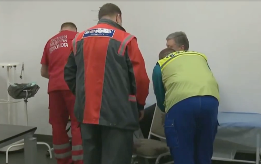 Пётр Порошенко сдаёт кровь на наркотики и алкоголь. Фото Скриншот www.facebook.com/petroporoshenko