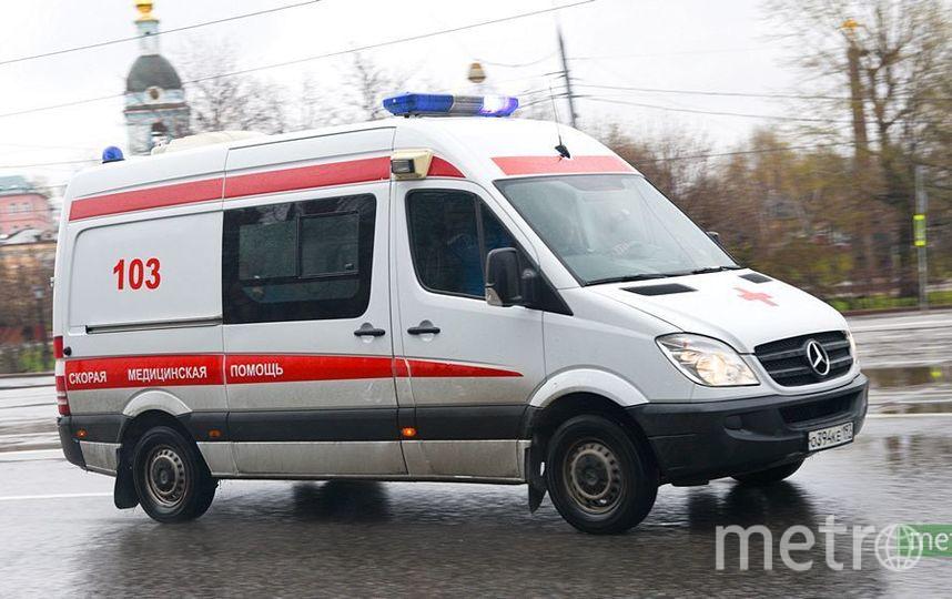 Автомобиль скорой помощи сбил пешехода в центре Москвы. Фото Василий Кузьмичёнок