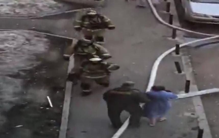 В жилом доме в Екатеринбурге прогремел взрыв. Фото скриншот видео https://ren.tv/