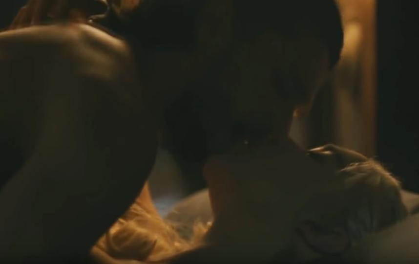 Дейенерис и Джон Сноу любят друг друга на борту корабля. Фото Скриншот youtube.com/watch?v=FuLwc2pZMZU