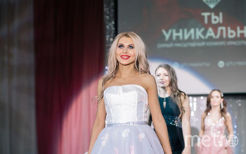Оксана Зотова шагает по подиуму. Фото Яна Терехова/Instagram/yanaterekhova