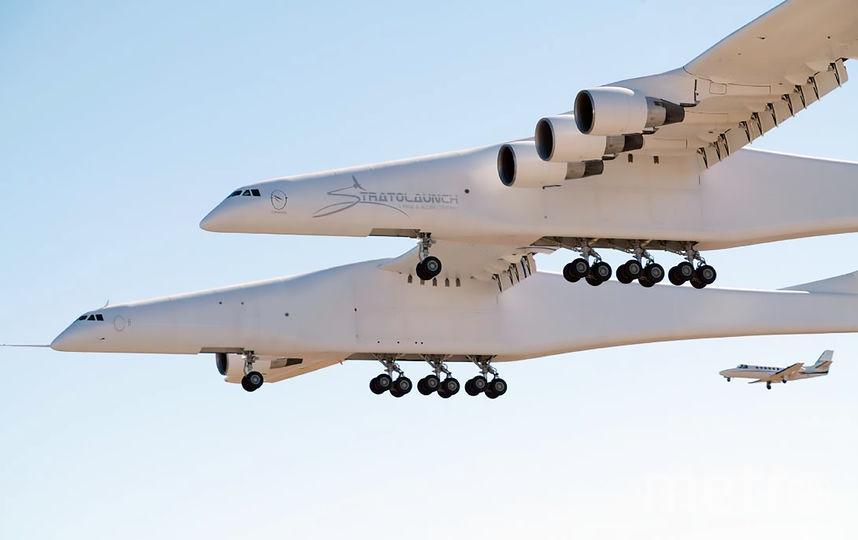 Размах крыльев самолёта составляет 117 метров. Фото AFP