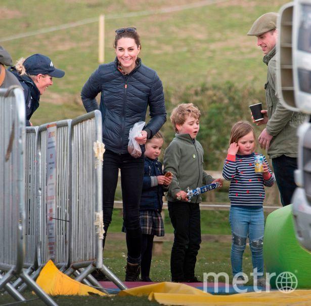 """Кэтрин с принцем Джорджем и принцессой Шарлоттой. Фото https://www.instagram.com/katemidleton/, """"Metro"""""""