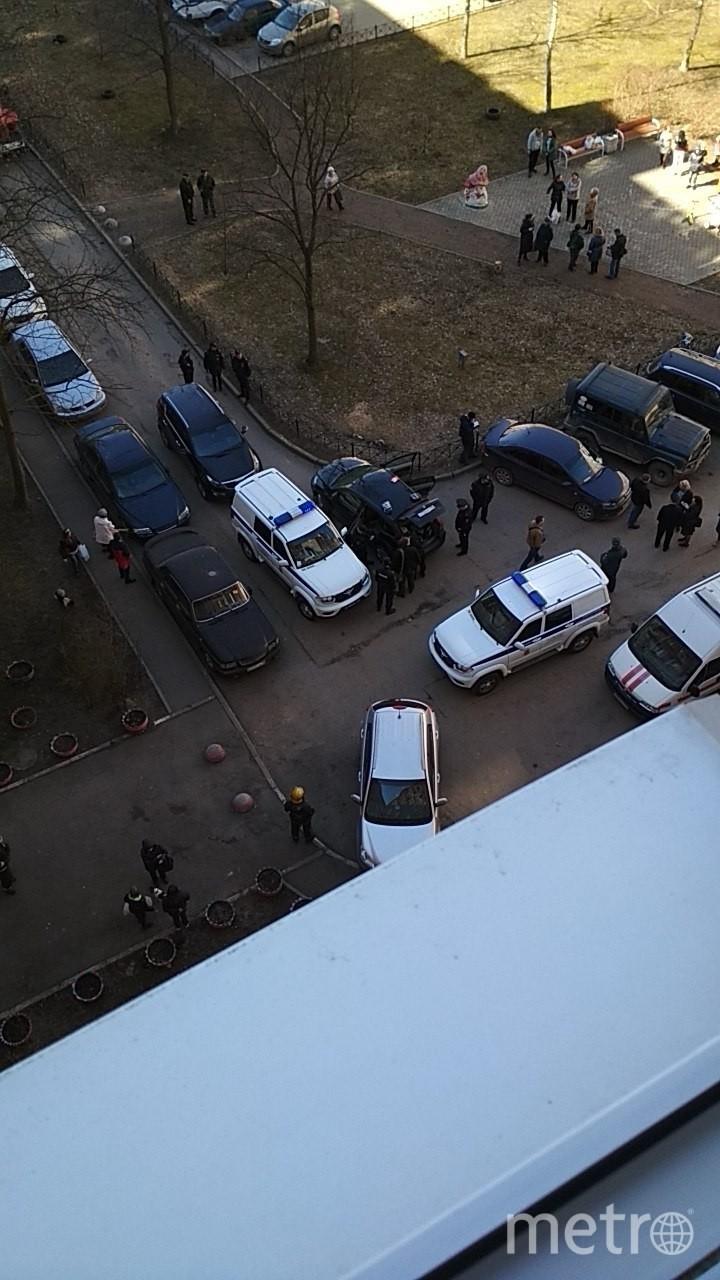 Взрыв произошел в полдень в доме №39 по Бульвару Трудящихся. Фото ДТП/ЧП, vk.com