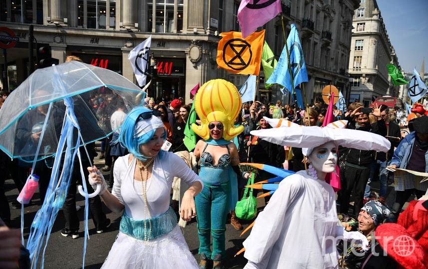 На улицы Лондона вышли тысячи человек. Фото AFP