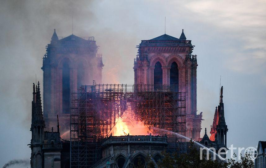 Пожар в соборе Парижской Богоматери начался около 20:00 мск. Фото AFP