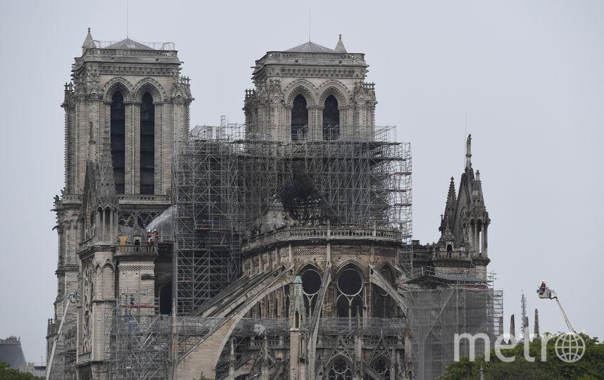 Пожар в парижском соборе Нотр-Дам-де-Пари утром во вторник удалось потушить. Фото AFP
