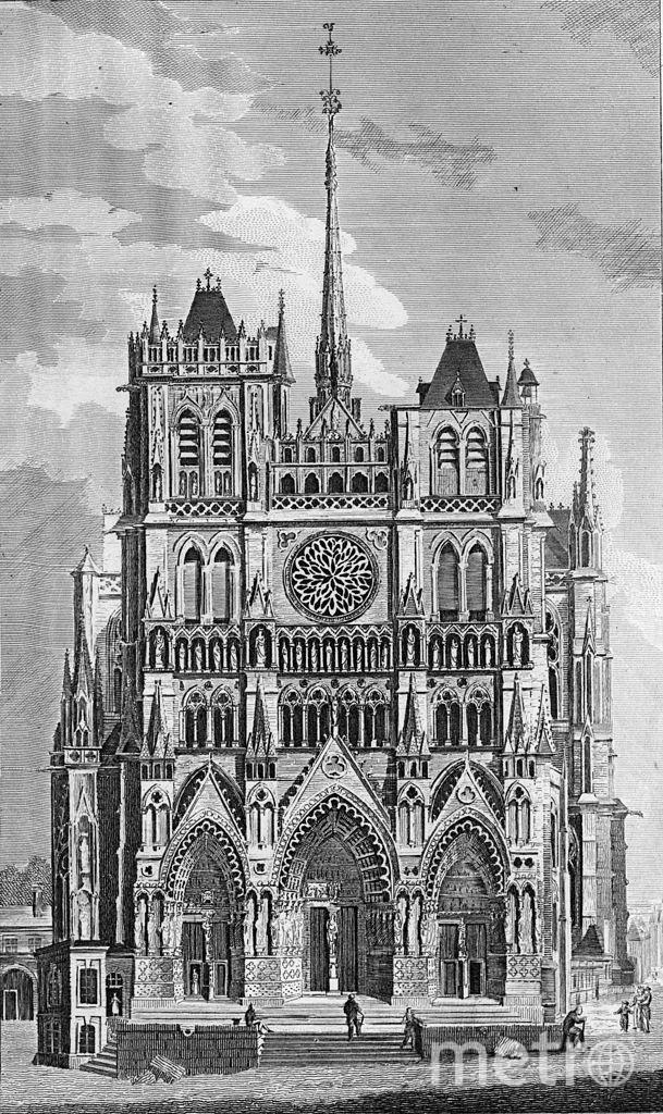 Собор Парижской Богоматери. На верхушке обрушившегося шпиля был бронзовый петух. Фото Getty