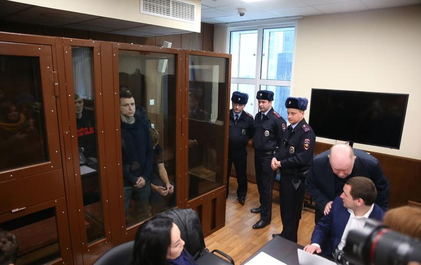 Кокорин и Мамаев в зале суда. Фото Василий Кузьмичёнок