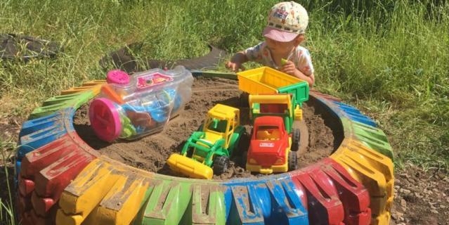 Идею для песочницы Римма Белякова подсмотрела в социальной сети Pinterest.