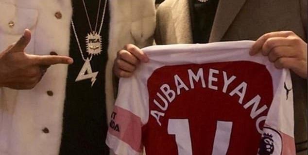 """Нападающий """"Арсенала"""" Пьер-Эмерик Обамеянг."""