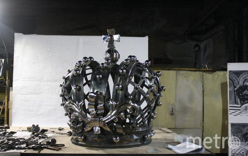 """В Эрмитаже хранится другая кованая корона мастера Энгельсона – также с хрустальными вставками. Фото Карина Тепанян, """"Metro"""""""