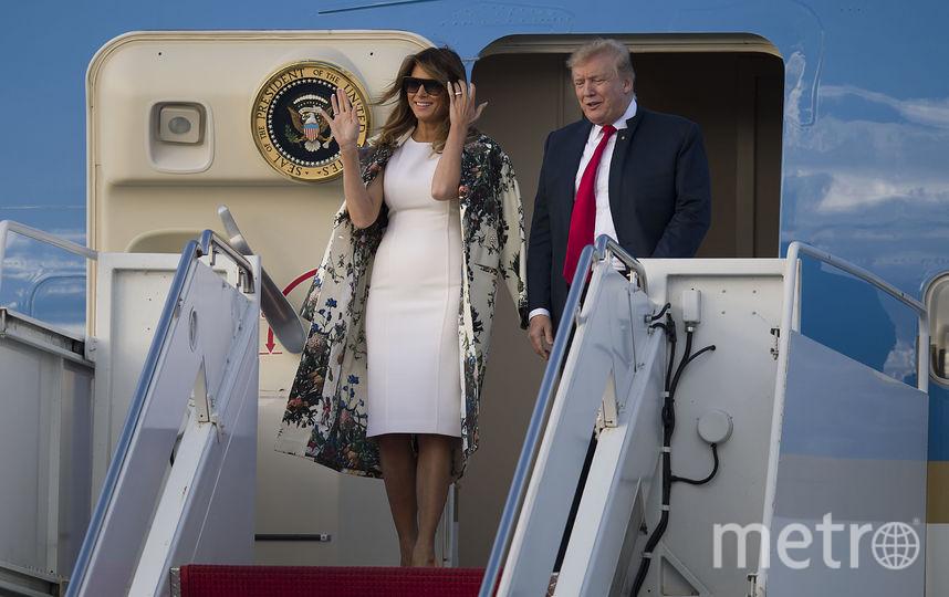 """Дональд и Мелания Трамп прибыли в аэропорт Палм-Бич, чтобы отправиться на выходные в свое в поместье """"Мар-а-Лаго"""". Фото Getty"""
