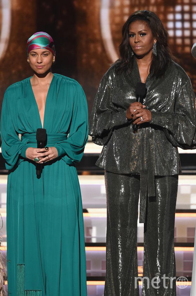 Никто не знал, что Мишель Обама появится на церемонии Grammy. На ней наряд от Sophia Webster. Фото Getty