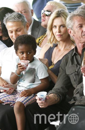 Шарлиз Терон с сыном Джексоном. Фото Getty