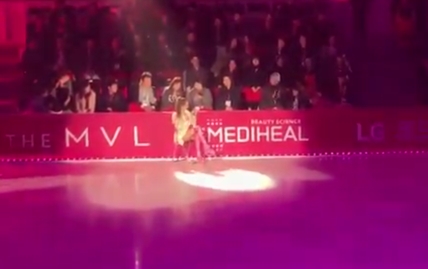 "Евгения Медведева в рамках шоу Ice Fantasia 2019 в Южной Корее представила новую программу на песню Арианы Гранде ""7 Rings"". Фото скриншот видео https://twitter.com/KristianKostov_/s"