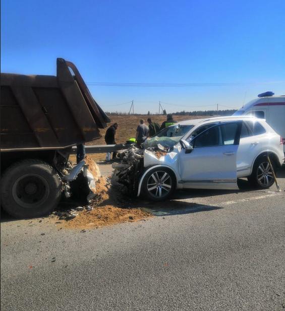 На трассе Сортавала произошло смертельное ДТП с участием двух автомобилей. Фото vk.com/spb_today