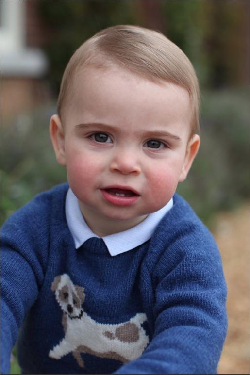 """Фото принца Луи в честь первого дня рождения. Фото https://twitter.com/KensingtonRoyal, """"Metro"""""""