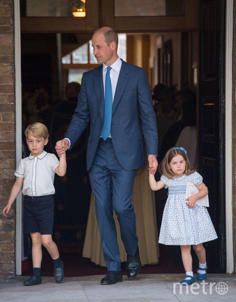 Принц Уильям с Джорджем и Шарлоттой год назад. Фото Getty