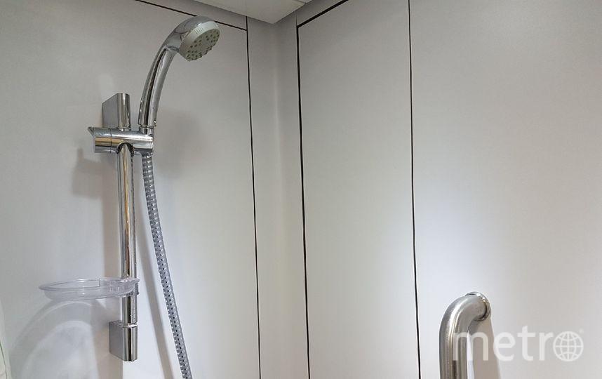 Вагон оборудован душевой кабиной. Фото Василий Кузьмичёнок