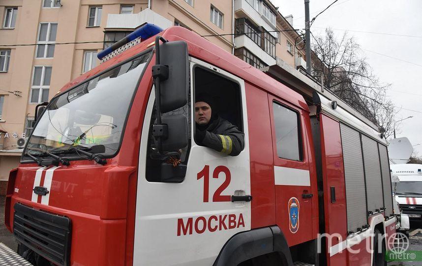 Возгорание произошло на кровле 14-этажного здания на улице Фестивальной в столице. Фото Василий Кузьмичёнок