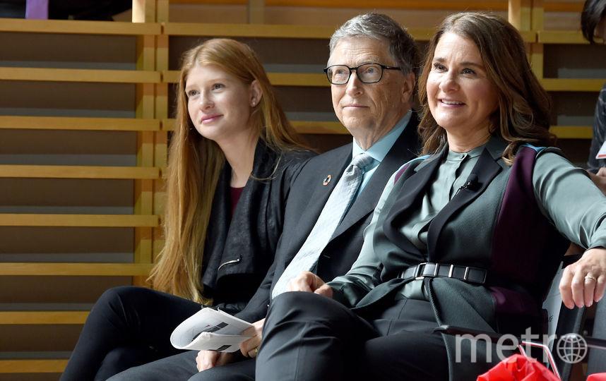 Билл Гейтс с дочерью Фиби Адель и женой Мелиндой. Фото Getty