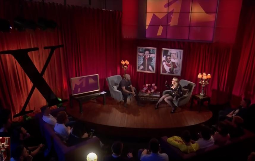 Мадонна в студии MTV. Фото Скриншот, Скриншот Youtube