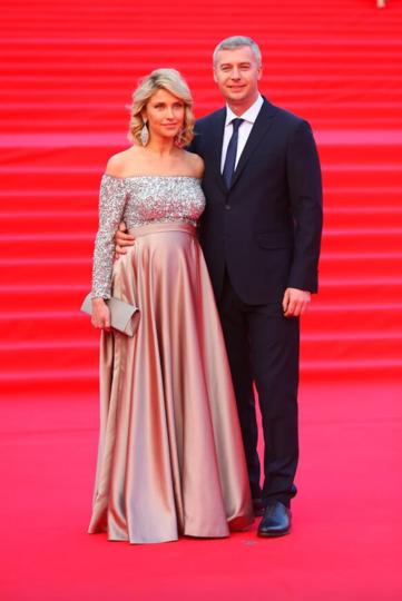 Екатерина Архарова с мужем Артёмом Илясовым. Фото Василий Кузьмичёнок