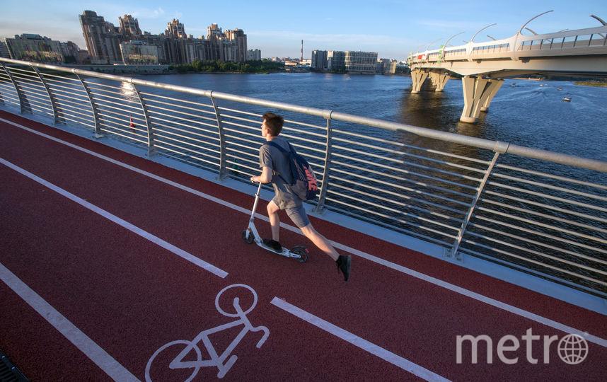 Люди, катающиеся на самокатах, не приравниваются к велосипедистам. Фото Сергей Куликов, Интерпресс