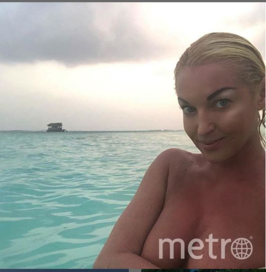 "Волочкова обычно позирует на фото или в шпагате, или в купальнике. Фото https://www.instagram.com/volochkova_art/, ""Metro"""